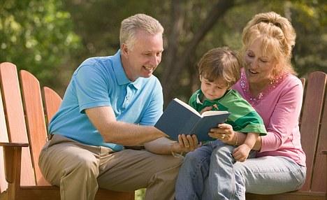 Бабушки и дедушки очень нужны детям! Это наша культура!