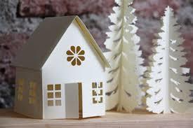 Новогодние поделки: сказочный домик