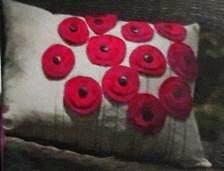 Декор подушки пуговицами
