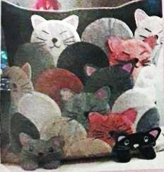 Чем заняться дома: декор подушки. Аппликация